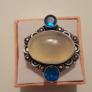 Ring size 7 Moonstone and blue topaz new